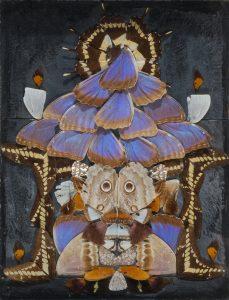 Pierre Bettencourt, Sans titre, 1954, Collage d'ailes de papillons sur ardoise, legs Jean-Paul Person, 2008