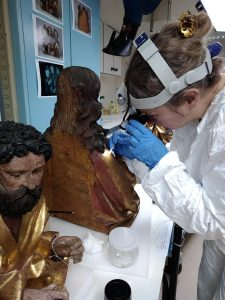Test de nettoyage du Christ Nicolas de Haguenau